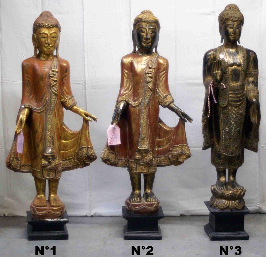 petite statue de bouddha debout en bois h 113 118 cm. Black Bedroom Furniture Sets. Home Design Ideas