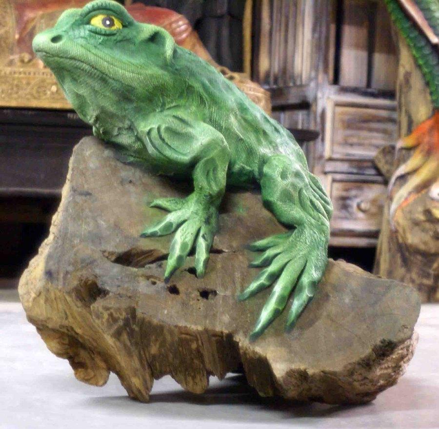 sculpture bois grenouille